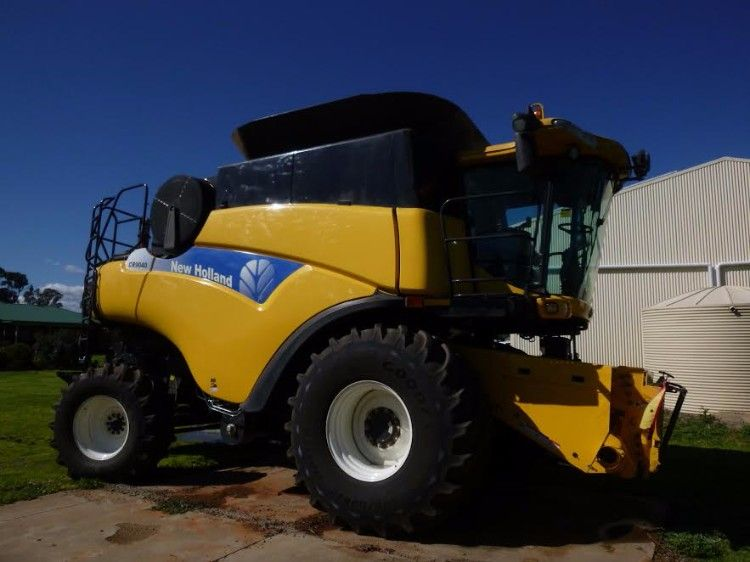 New Holland CR9040 Combine Harvester machinery for sale NSW