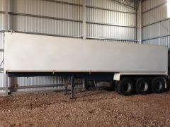 32ft x 6ft Steel Chassis Triad Triaxle Tipper Trailer for sale SA Tumby Bay