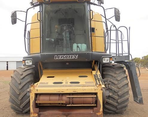Cat 480R Combine Harvester Macdon Front machinery for sale WA