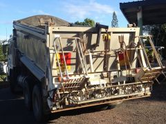 Automatic Spreading Box Farm Machinery for sale QLD