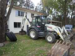 Earthmoving Equipment for sale NSW 820 Backhoe & Hydraulic Rock Breaker